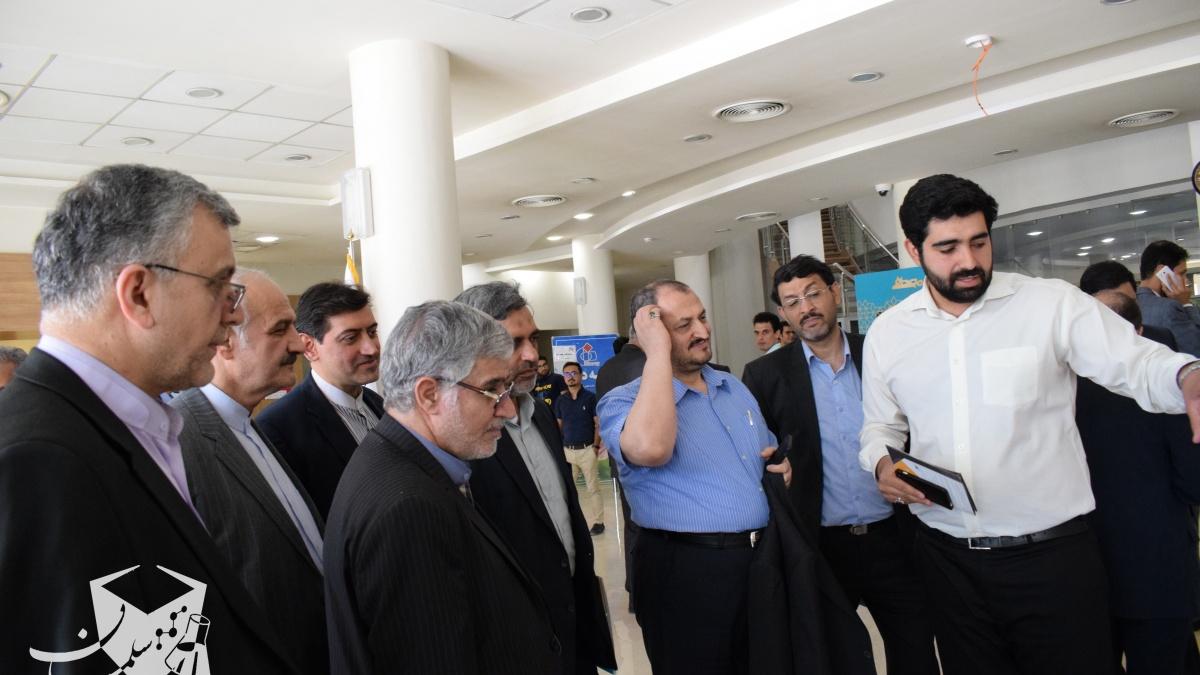 بازدید سفرا و روسای نمایندگی های جمهوری اسلامی ایران از غرفه سلمان در پارک فناوری پردیس